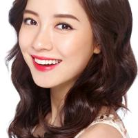 Song Ji Hyo déterminée et élégante pour Benefit
